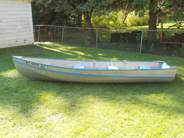 14 Aluminum Classic 1952 Larson Resorter Crestliner Vintage Boat