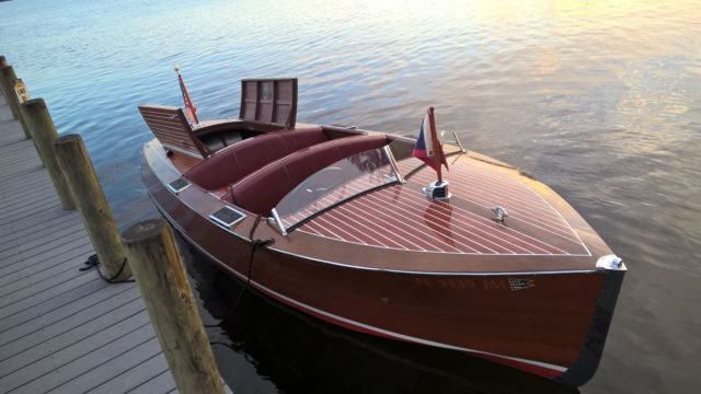 Chris Craft Deluxe Runabout