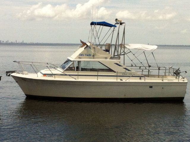 1972 Chris Craft Commander Sports 31 Ft Sport Fishing Boat