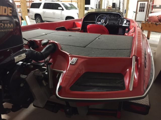 1994 Allison XB2003 bass boat with 2001 Evinrude 150 HP