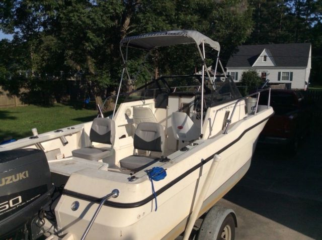 1995 Bayliner Trophy Model 2002 Fishing Boat - Bayliner