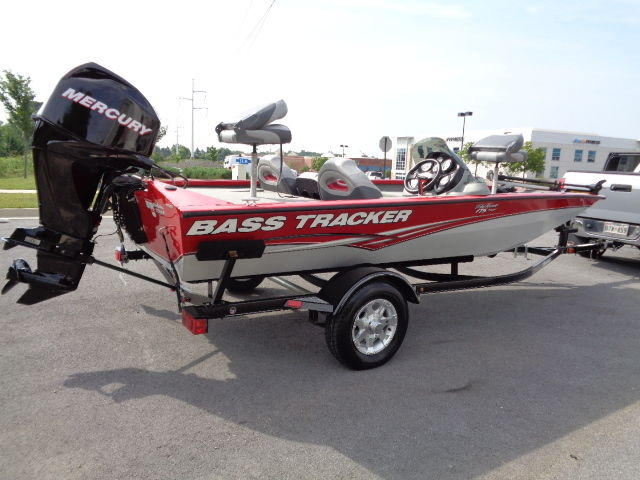 2012 Bass Tracker Pro Team 175TXW-New Condition!!! - Bass