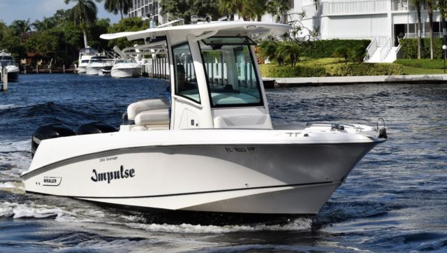 2013 Boston Whaler Outrage 250 Very Clean Twin Mercury 225s (341hrs