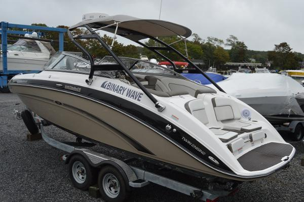 2013 Yamaha 242 Limited S - Custom Installed Electronics/Features ...