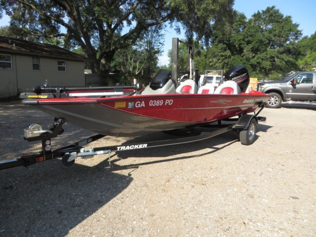 2015 Bass Tracker Pro Team 175 TXW 17 Foot with Outboard