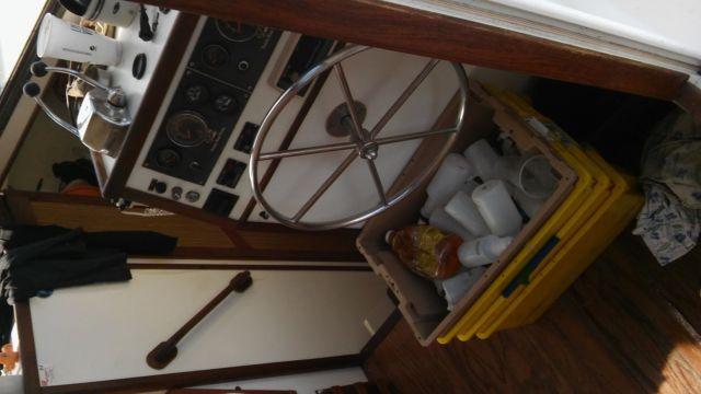 37 Prairie Trawler Aftcabin Hatteras-Like Twin Deisel Pocket