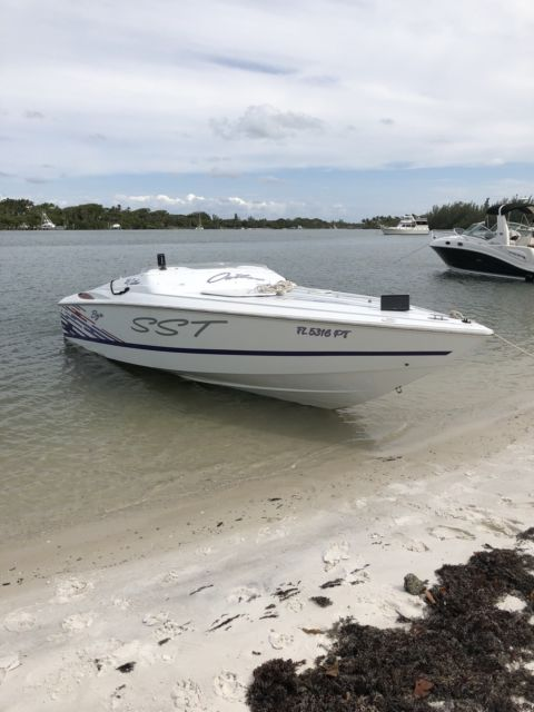 Baja Outlaw SST 1999 25ft Powerboat New Motor Great Condition