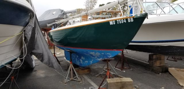 Cape Dory Typhoon Open Daysailer - Cape Dory Typhoon 1977 for sale