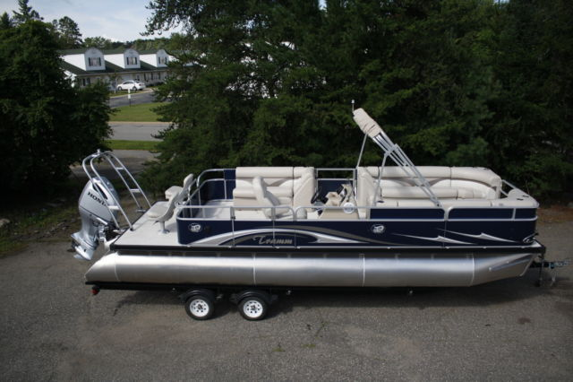 Dealer Demo 26 tritoon with new 250 Honda and trailer. - Tramm 26 2016 for sale