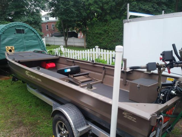 Pro-Drive Duck Fishing Boat 37 HP EFI Pro Drive Surface Mud Motor & Alum Trailer