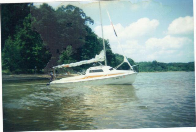 Sailboat 1981 Minstral 16ft 3hp Evinrude