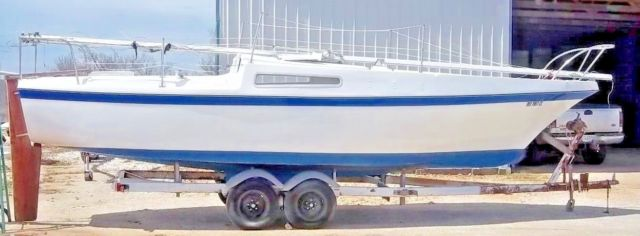 sailboat-26039-clipper-1975-wtrailerhas-