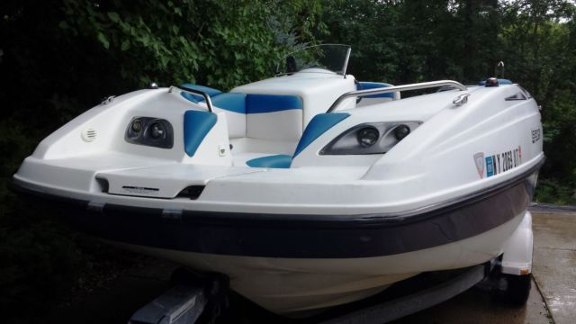 seadoo islandia 2000 deck boat great condition new interior