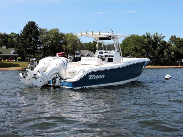 Triton 2500cc center console fishing boat twin yamaha 200 for Yamaha fishing boats