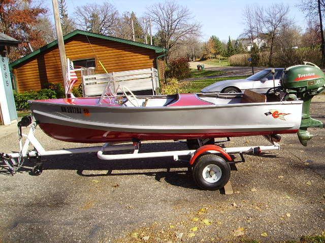 Vintage 1955 12ft Crestliner Commander Speedster Aluminum Boat